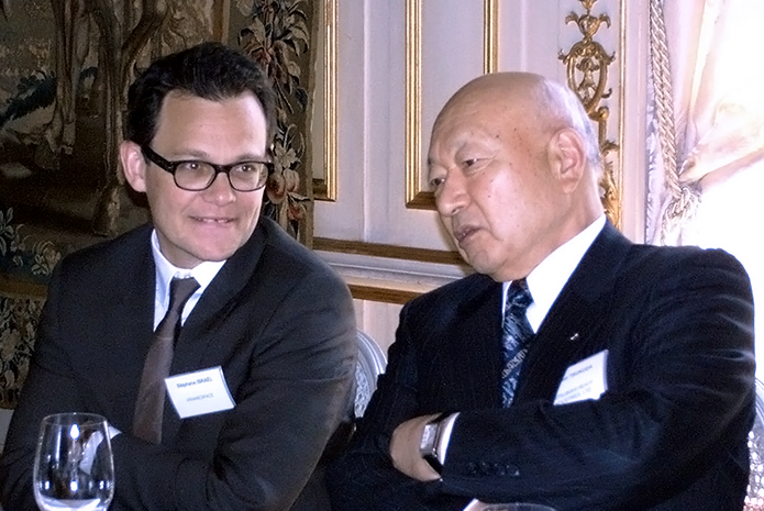 Stéphane Israël, Arianespace's Chairman & CEO, participated with other top-level industry executives in the EU-Japan Business Round Table, held April 27-28 in Brussels, Belgium. He is shown in the photo at right with the EU-Japan Business Round Table's co-chairman, Kazuo Tsukuda, the former Chairman of the Board of Mitsubishi Heavy Industries.