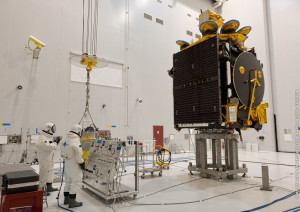 The onboard propellant loading for Athena-Fidus commenced inside the S5A fueling and integration hall, which is part of the Spaceport's S5 payload preparation center.