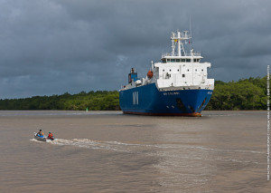 Launcher components for Ariane 5's Flight VA220 were delivered to Paricabo port in French Guiana aboard the MN Colibri, which is one of two sea-going ships used to carry Arianespace vehicle components from Europe to South America.