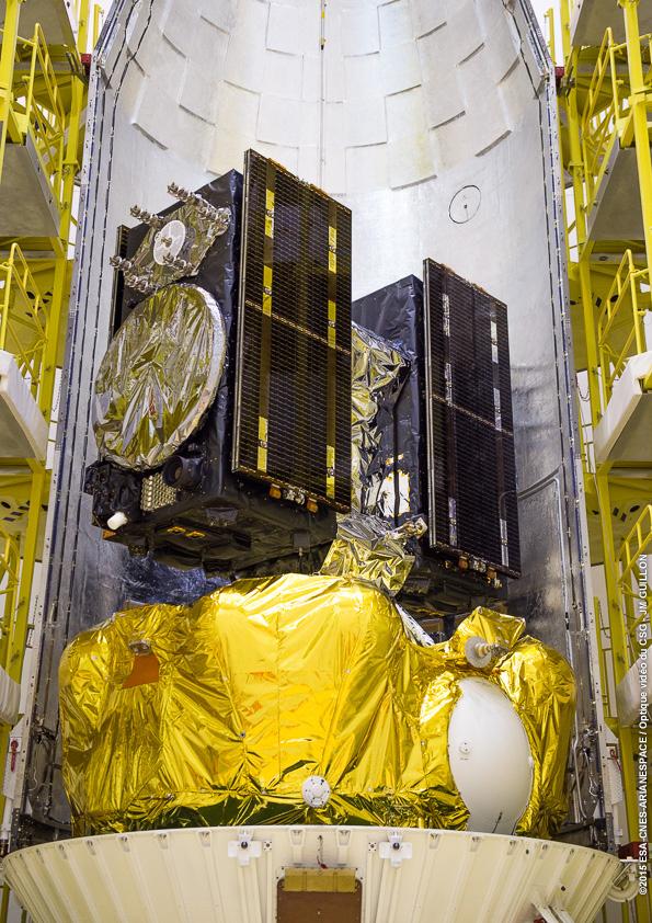 Lancement Soyouz VS13 / GALILEO - 17 décembre 2015 - Page 2 Fermeture-coiffe_070