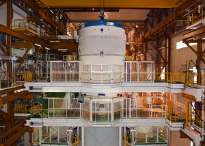 Ariane 5's upper composite (which consists of its ESC-A cryogenic upper stage and vehicle equipment bay) is installed on the heavy-lift vehicle inside the Launcher Integration Building.