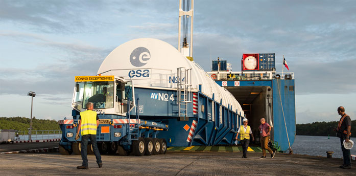 Ariane 5 cryogenic core stage unloaded