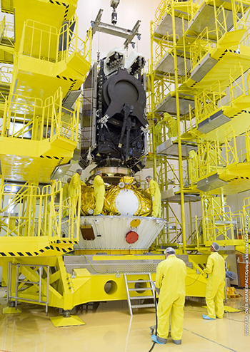 SES-15 lowered into position atop the Soyuz Fregat upper stage, in preparation for Arianespace's Soyuz Flight VS17