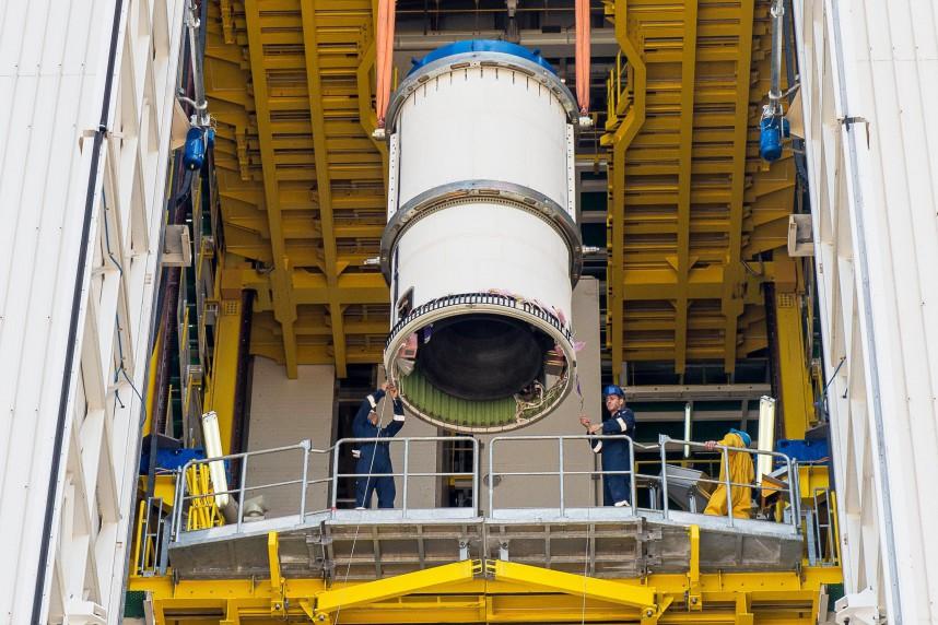 VV06 Erection Zefiro 9 en ZLV, le 19/10/2015